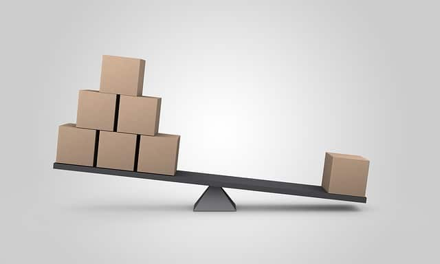 moving tips: weighing boxes on scale