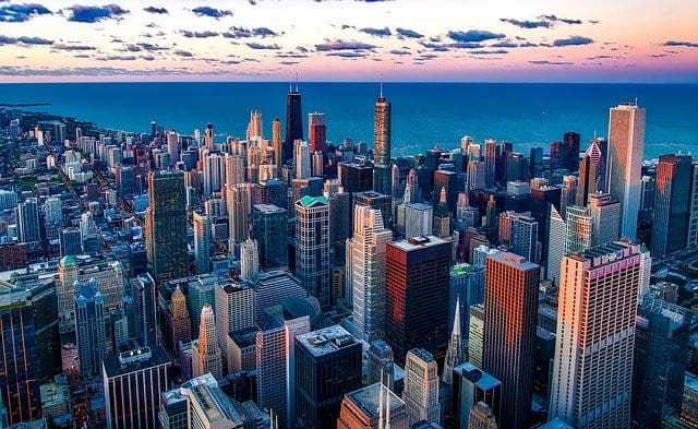 Chicago Illinois skyline. largest cities in us.